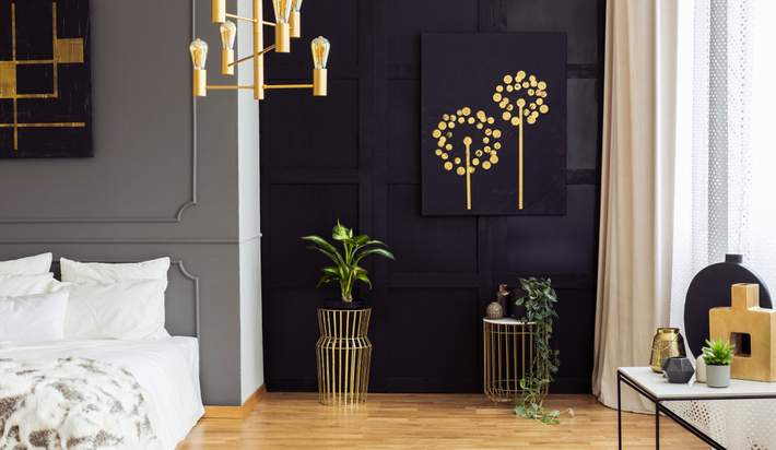 A Pop of Color Brings Drab Decor to Life