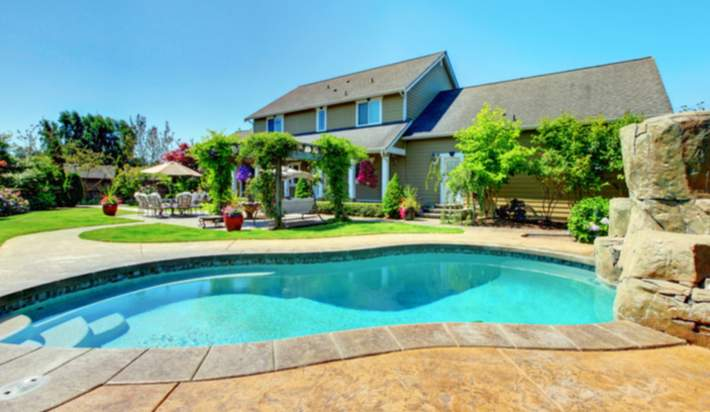 Considering a Home With a Swimming Pool?